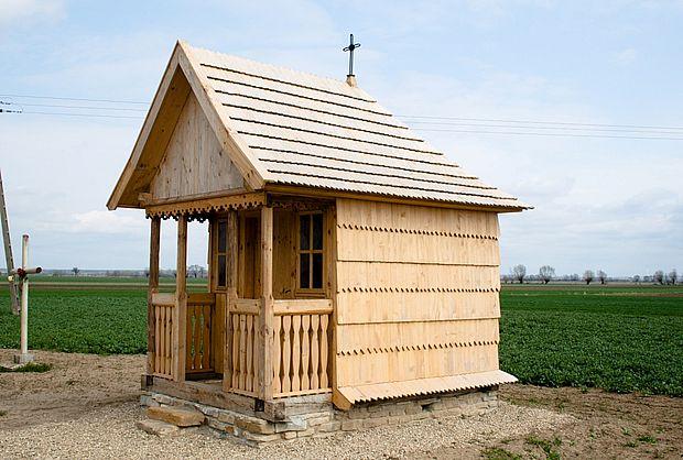 Stubienko - kapliczka odnowiona Kopia